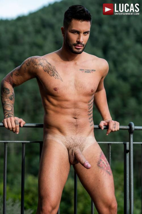 Andrea Suarez - Gay Model - Lucas Raunch