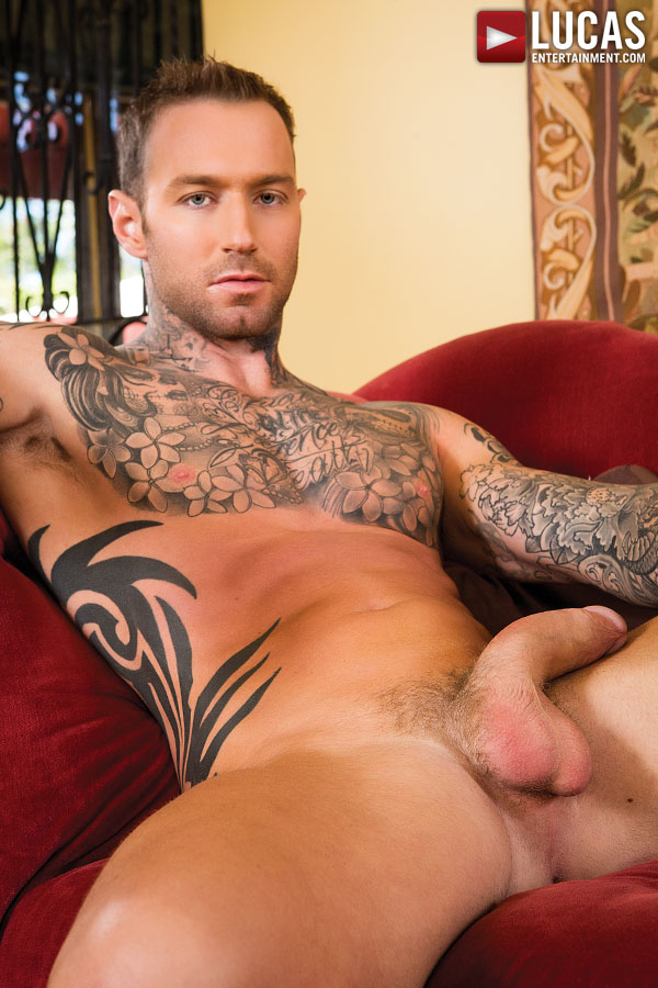Dylan James - Gay Model - Lucas Raunch