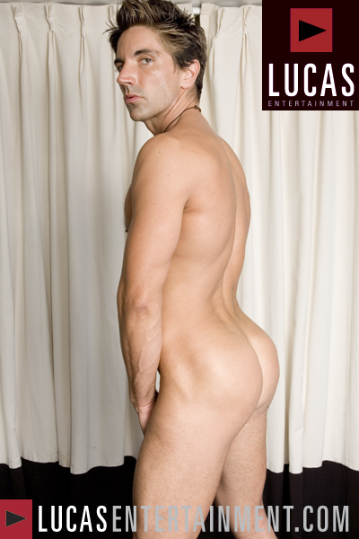 J. - Gay Model - Lucas Raunch