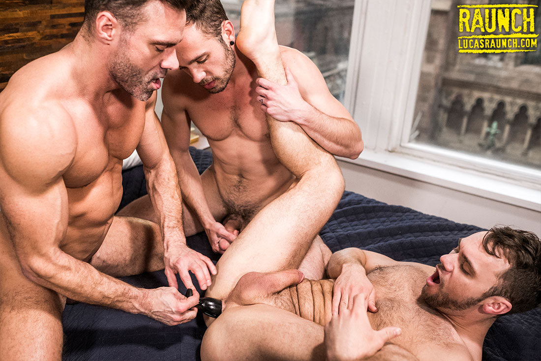 Manuel Skye And Drake Rogers Stretch Blaze Austin