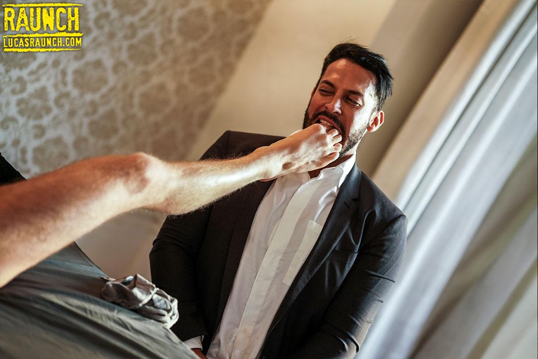 Viktor Rom Worships Manuel Reyes