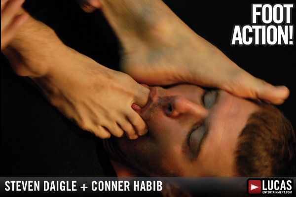 FOOT ACTION! - Gay Movies - Lucas Raunch